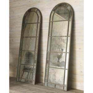 13d17ff40d38b394_7983-w394-h394-b1-p0--traditional-mirrors